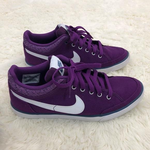 Nike Women's Capri III Canvas Purple Casual